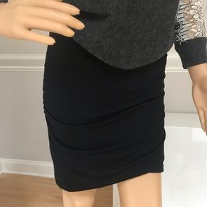 Banana Republic Black Knit Skirt. Size XS NWT.